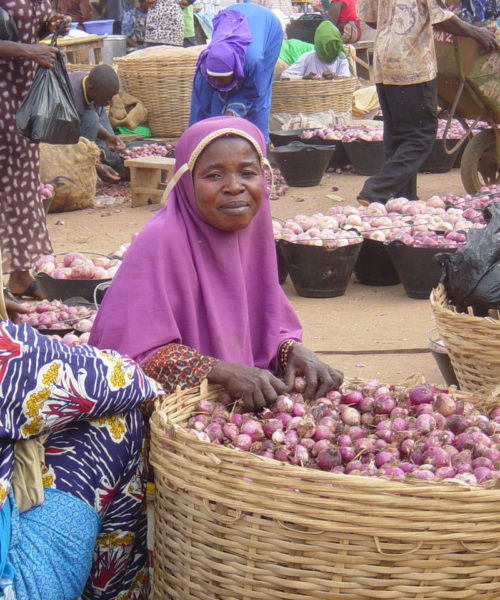 Agricultural Extension: Women at market in Ghana